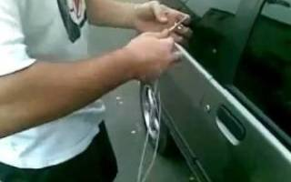 Как открыть ниву шевроле без ключа видео