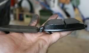 Как сменить задние тормозные колодки